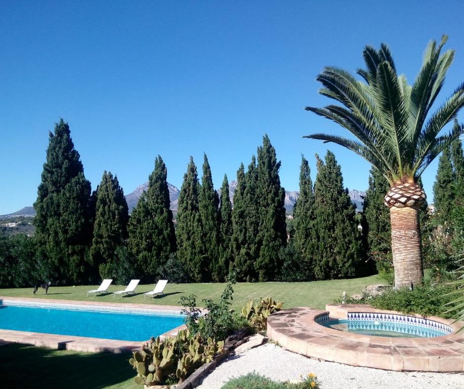 casa rural con pisicna en Alicante Los Viajes de Hermes